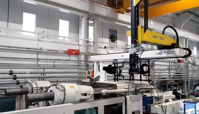 Robots & automation